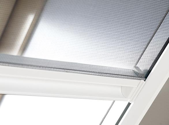 Moskitiera rolowana FAKRO AMS do okien dachowych